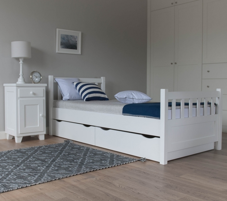 kinderbett holz 90x200 excellent kinderbett michelle bett holz juniorbett landhaus bettgestell. Black Bedroom Furniture Sets. Home Design Ideas